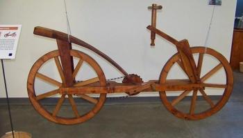 Первые чертежи велосипеда сделал Леонардо да Винчи