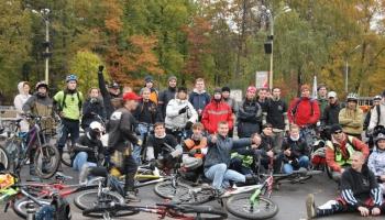 Сообщество для велосипедистов: московский велоклуб «32 спицы»