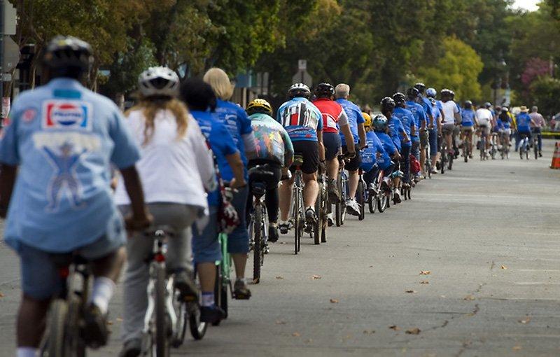 Самая длинная колонная из велосипедистов (1200 человек)