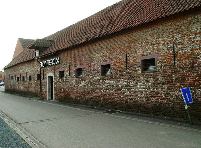 Фабрика около Брюсселя, который принадлежит Эдди Мерксу.