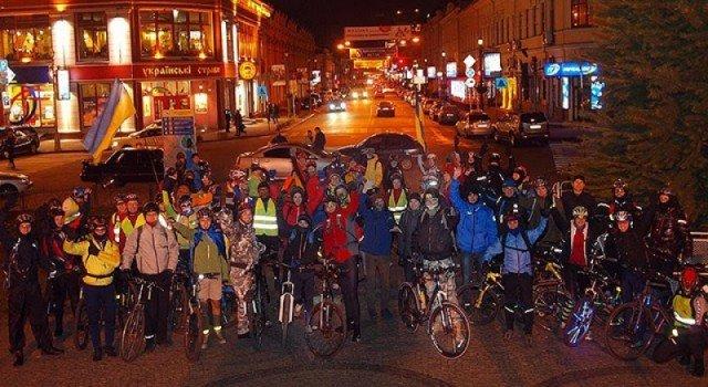 Велосипед, баррикады и вера в лучшее